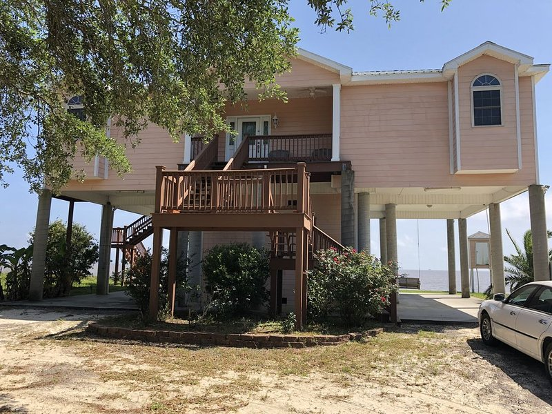OUR BEACHES ARE OPEN!  NEW LISTING - ISLAND VIEW BEACH HOUSE, holiday rental in Gautier