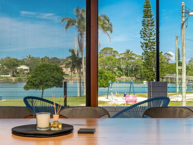 'Riverview Apartment' - hosted by North Coast Lifestyle Properties, holiday rental in The Pocket