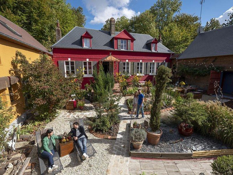 Bienvenue au 2, une maison d'hôtes unique aux couleurs de l'imaginair, holiday rental in Berneuil-en-Bray