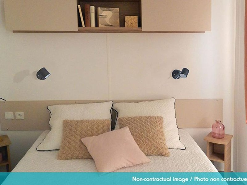 MOBIL HOME DANS CAMPING 4 ETOILES, vacation rental in Gastes