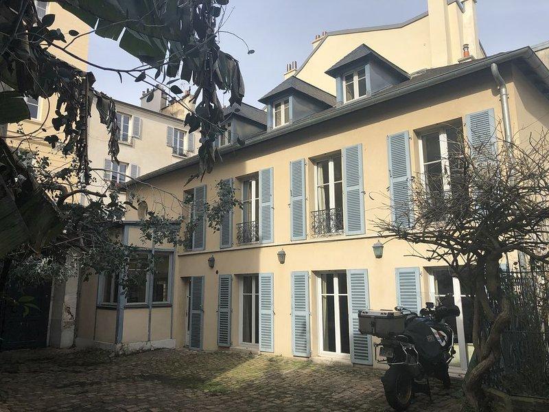 Maison de ville chaleureuse et très calme à 2 pas du Château de Versailles, location de vacances à Versailles