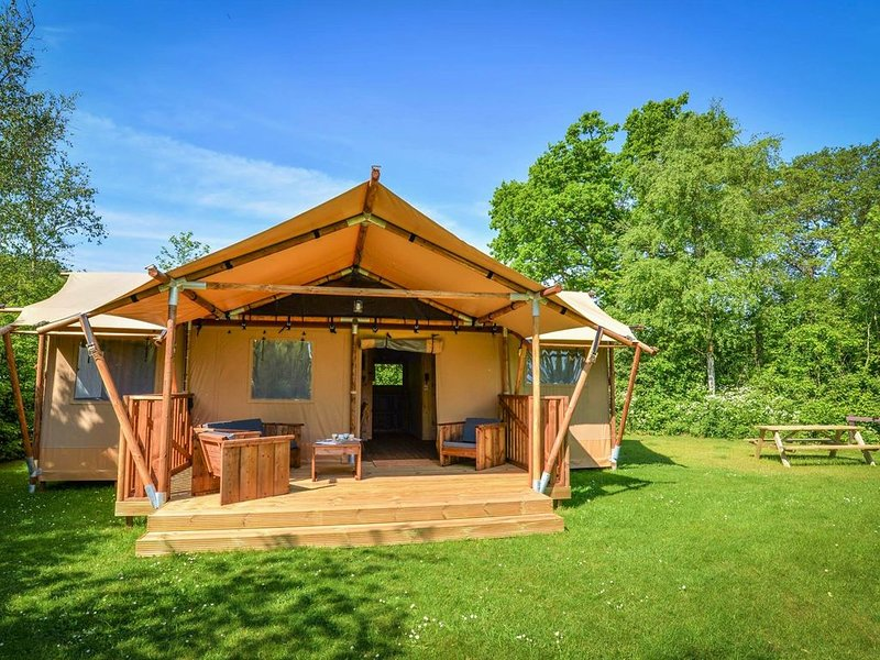 LODGE LUXE SAINT EXUPERY, holiday rental in Le Thor