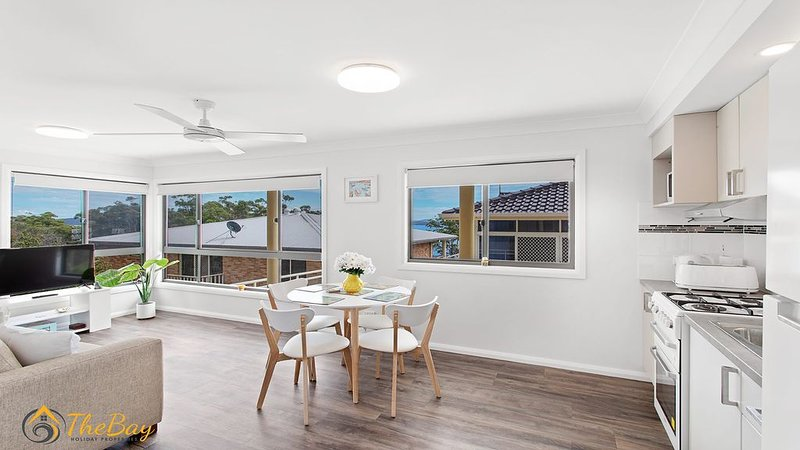 Escape for 2 - Walking Distance to Dutchies Beach and Nelson Bay CBD, vacation rental in Nelson Bay