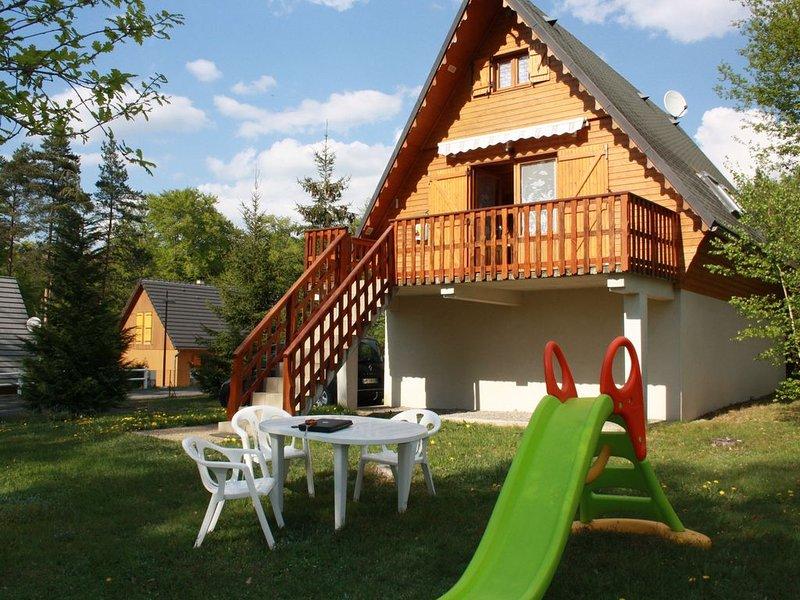 Chalet entre lacs et montagnes, peche à volonté, holiday rental in Bagnols