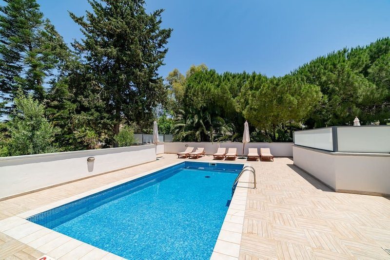 Villa Stephanotis -  Modern Picturesque 3 bedroom Villa with Private Pool and Va, vacation rental in Mellieha