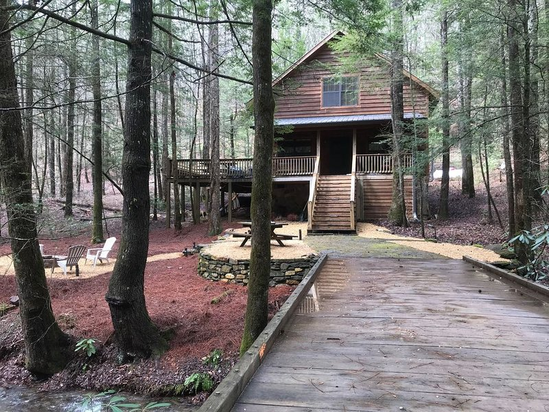 Creek Front Mountain Cabin / Located in Cohutta Wilderness / Mtn Bike Paradise, casa vacanza a Chatsworth