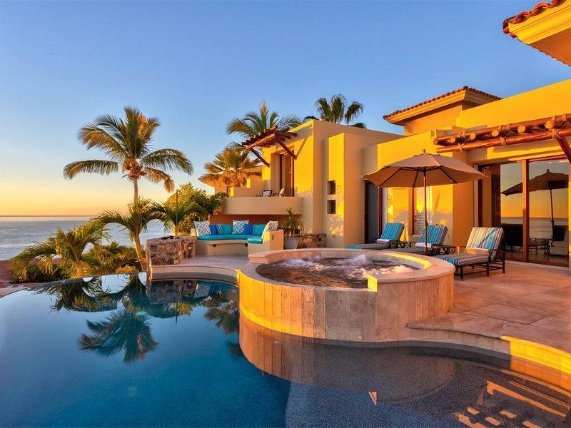 Casa Bella 5bdrm Unobstructed Ocean/beach views at a Discounted rate! – semesterbostad i San Jose Del Cabo