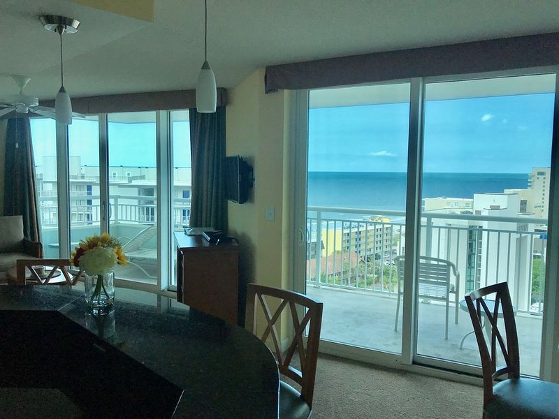 Affordable Luxury 1BR/1BA Condo. Great views! Huge balcony! Comfortable layout!, holiday rental in Myrtle Beach