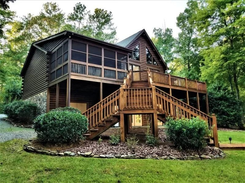 Gaston Shores | Relaxing Log Cabin with Four Season Elegance and Charm, holiday rental in Vaughan
