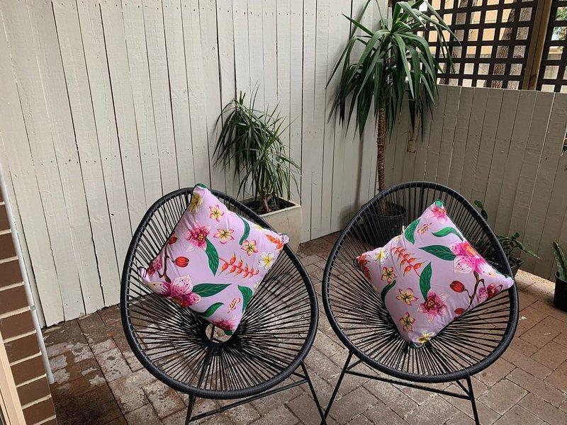 Peaceful garden apartment, close to everything!, location de vacances à Strathfield