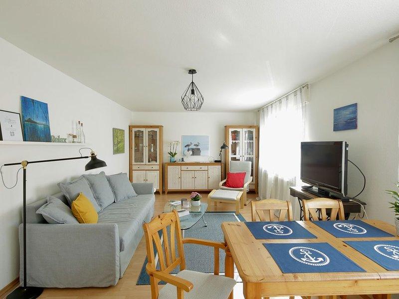 � Behagliche Wohnung mit grossem Balkon- Nähe KIT Nord und Karlsruhe, casa vacanza a Woerth am Rhein