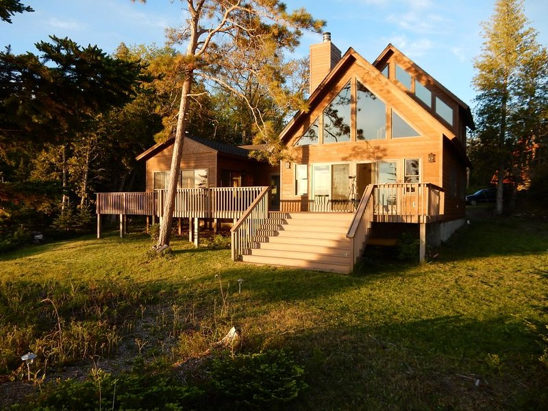 Secluded location with your own private beach, holiday rental in Beaver Island
