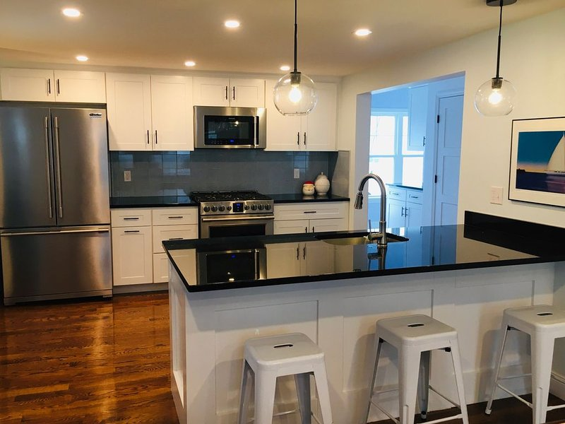 Brand New, Charming in Town Home, vacation rental in Bristol