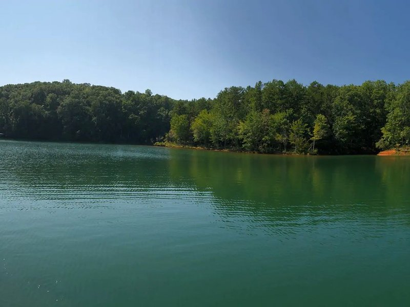 Lake Keowee SC Vacation Home, up to 14 guests, private dock, holiday rental in West Union