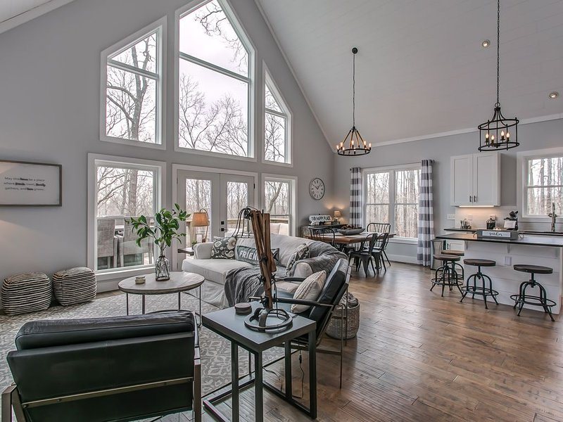 ✦Retreat to a stylish Cottage on Center Hill Lake✦, alquiler vacacional en Silver Point