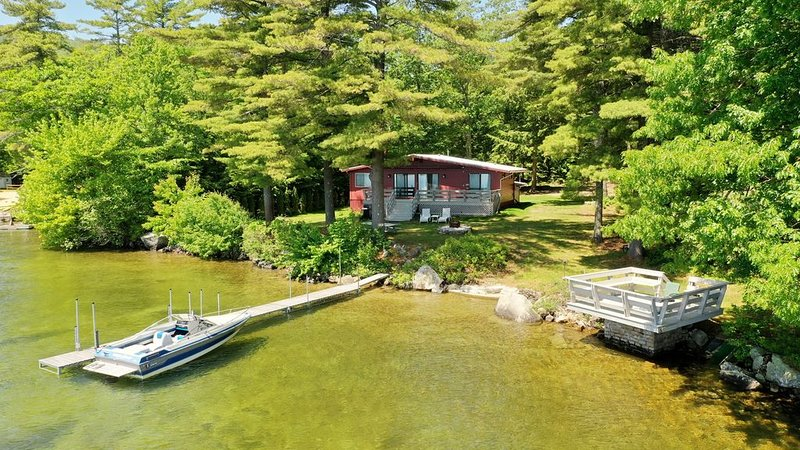 Prime, private waterfront property on Winnipesaukee w/ ample docking and parking, vacation rental in Gilford