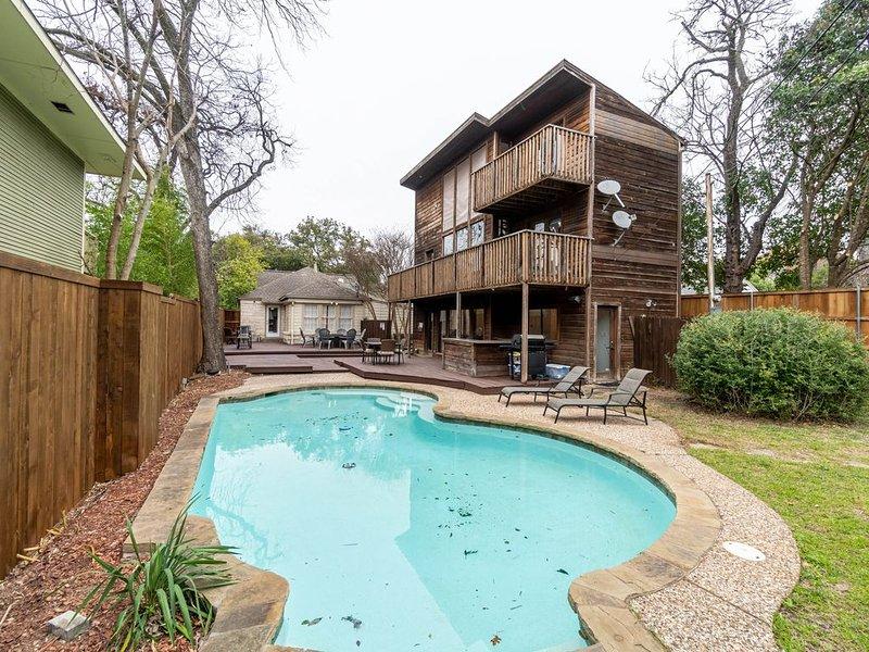 Your Very Own Private Dallas Resort, location de vacances à Mesquite