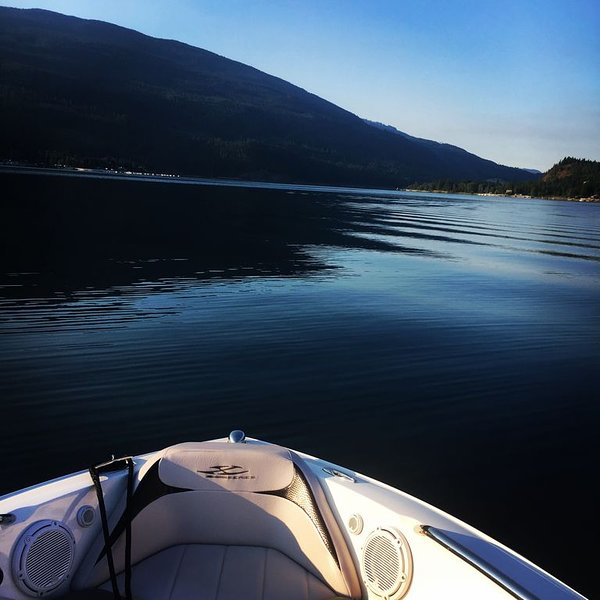 White Pines Resort - Mara Lake, location de vacances à Swansea Point