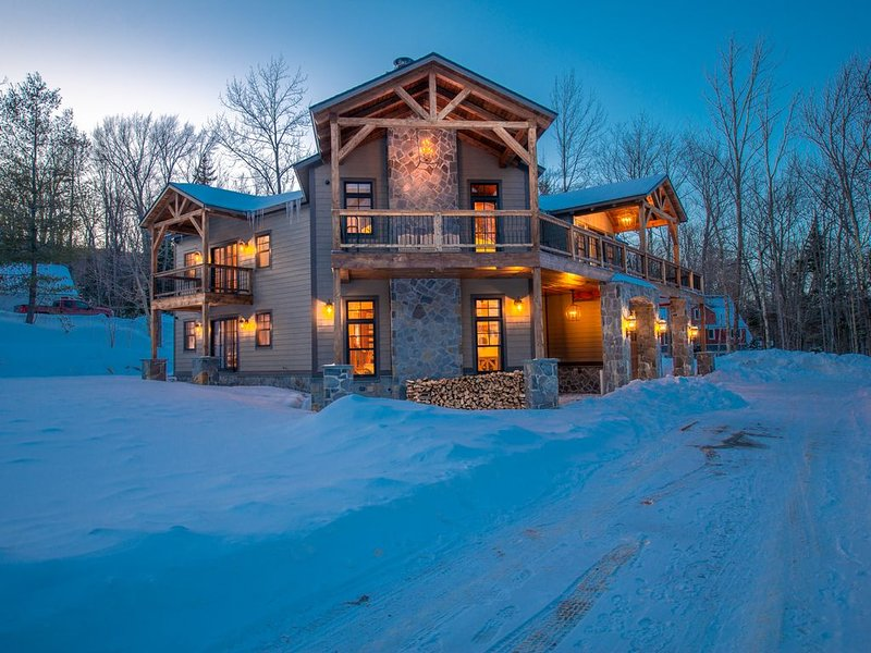 Large home 1/2mile from mount snow, alquiler de vacaciones en Dover