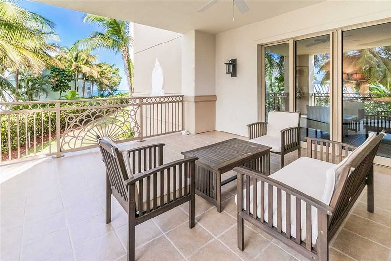 Sophisticated Private Residence Located at The Ritz-Carlton and steps away from, vacation rental in Seven Mile Beach