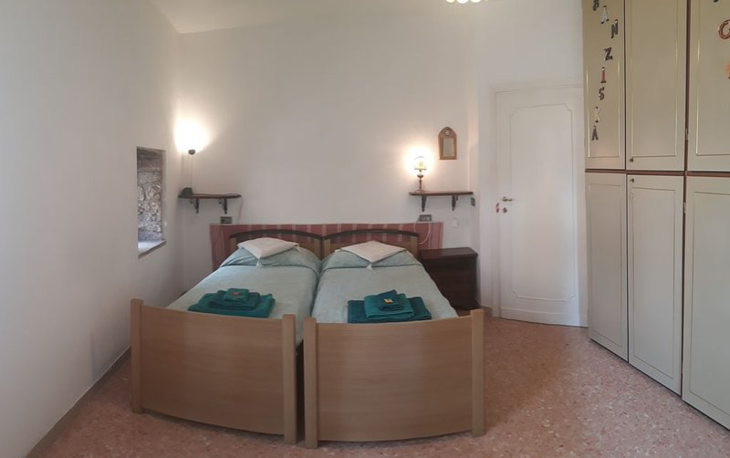 Easy Apartment - historic center, holiday rental in Sant'Apollinare