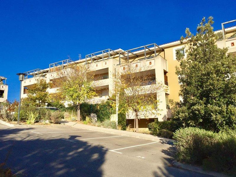 Appartement 2 pièces - Terrasse - Jardin - PArking sécurisé, aluguéis de temporada em Vitrolles