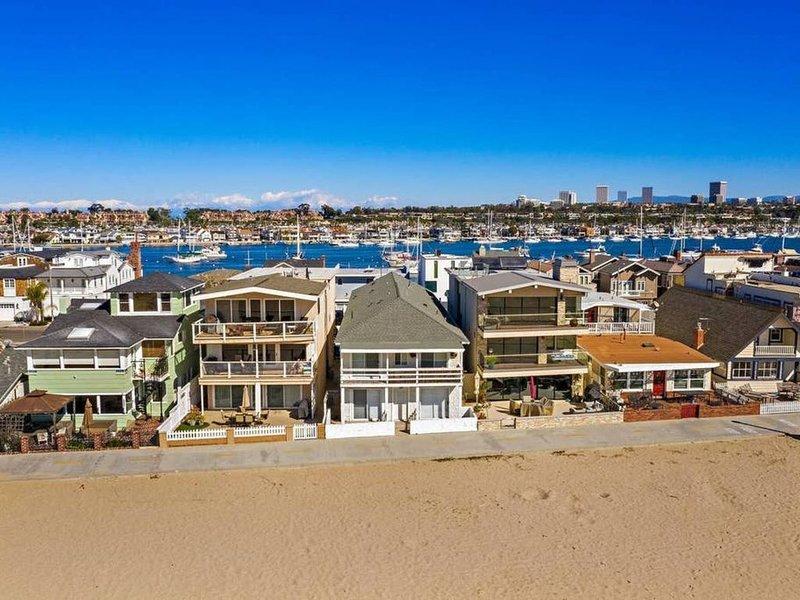 7 Newport Beach Dreamin', Bay facing ocean front, alquiler de vacaciones en Balboa Island