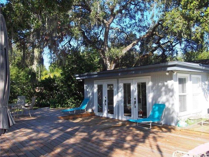 Cozy House in Sarasota, close to Downtown and Siesta Key Beach, aluguéis de temporada em Fruitville