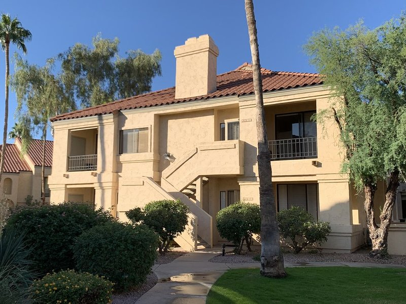 Premier Resort Gated Community - Tennis - Pools - Close to Everything, vacation rental in Scottsdale