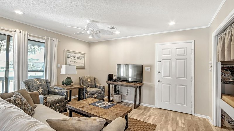 1Bed Room 1Bath Condo across from Beach in Seagrove – semesterbostad i Santa Rosa Beach