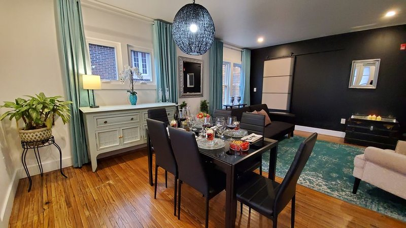 Luxurous Apartment by the Falls, vacation rental in Niagara Falls