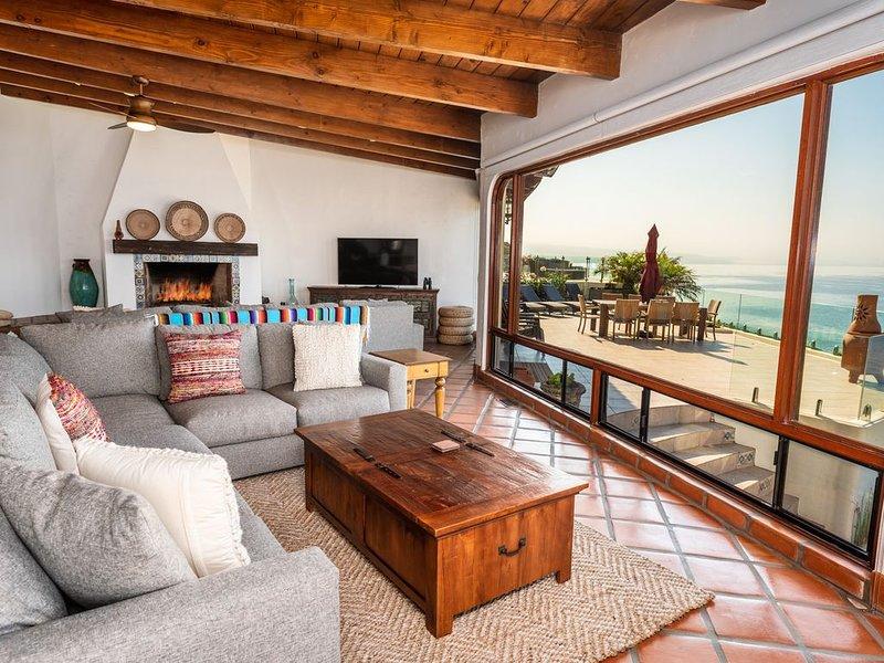 Casa Serena 5 Bedroom OCEANFRONT Beach House Las Gaviotas, holiday rental in La Mision