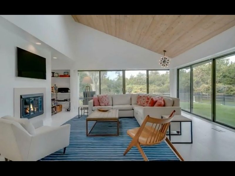 Amazing South of the Highway 3BR Hamptons Retreat, aluguéis de temporada em Water Mill
