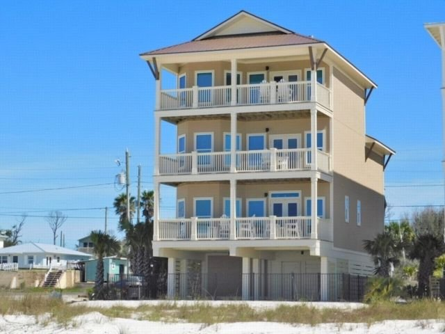 Luxury 5BR Beachfront House with private heated POOL, Elevator, Views from every – semesterbostad i Mexico Beach