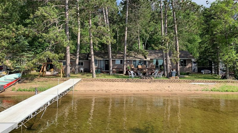 Awesome Gull Lake Beach Cabin w/ 2017 Sylvan Pontoon Included!, holiday rental in Brainerd