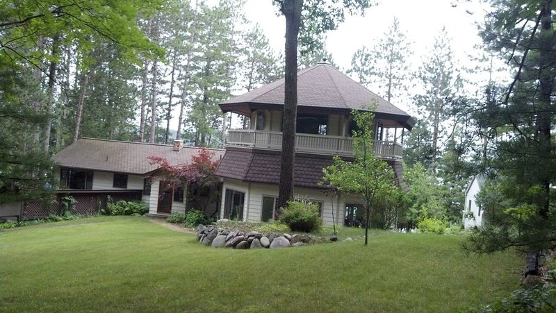 Dream Vacation Home!, holiday rental in Hillman