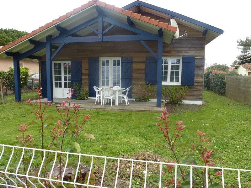 Jolie petite maison individuelle  à 300 m de la plage, vacation rental in Mimizan