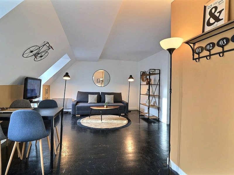 NEWS 2020 **** PARIS 8 EME - WAGRAM - ARC TRIOMPHE, vacation rental in Levallois-Perret