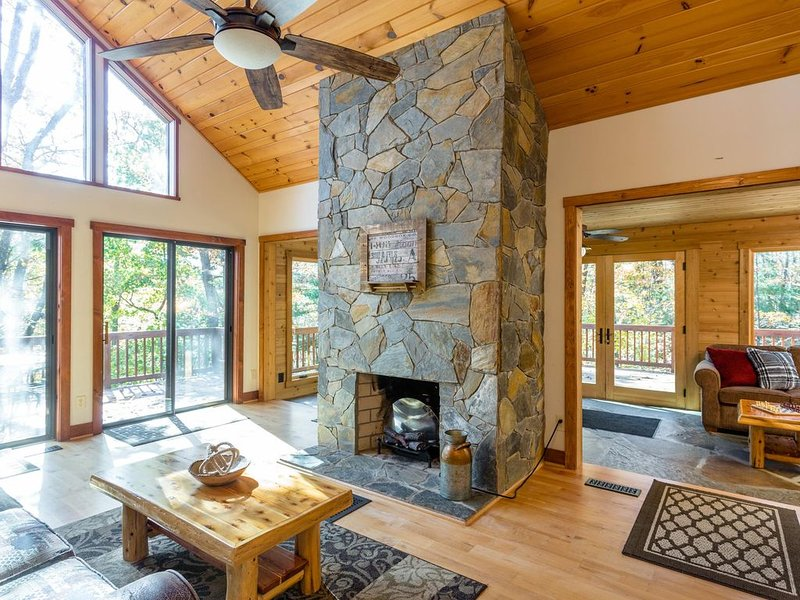 Get Away to Your Mountain Paradise, holiday rental in Dayton