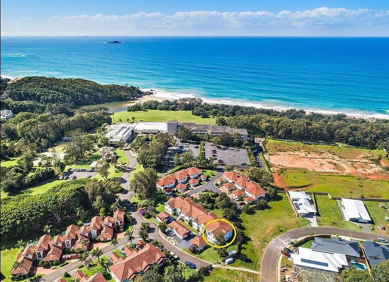 Coffs Harbour Beach side Villa Korora Sleeps 6, aluguéis de temporada em Moonee Beach