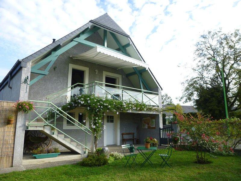 Gîte indépendant 'La Chênaie' ***, holiday rental in Haut-De-Bosdarros