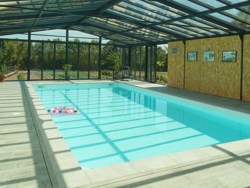 Maisonnette indépendante : spa,piscine intérieure,sauna,hammam, vacation rental in Taillebourg