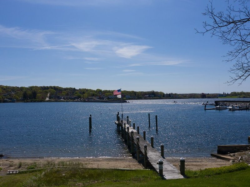 Waterfront Home with Beach and Dock, holiday rental in Westport