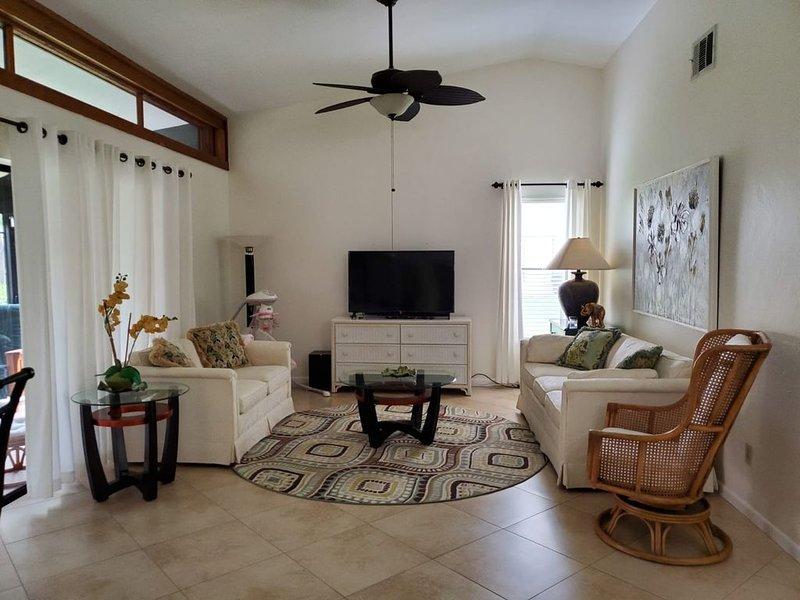 Cinnamon Cove Villa 2/2 with Great Amenities!!!!, location de vacances à Iona