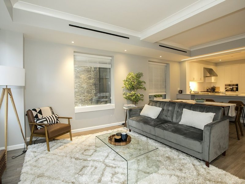 Gorgeous & Luxurious 3BRD APT- Upper West Side, holiday rental in Guttenberg