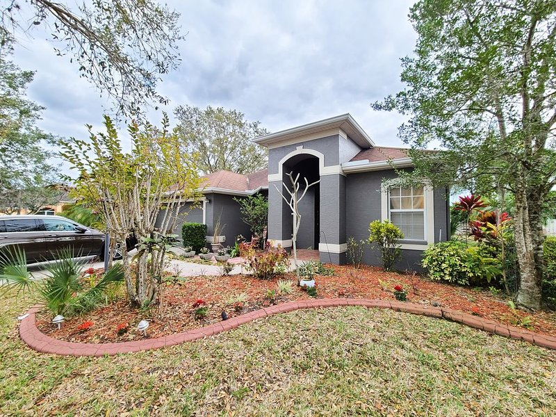 Golf course community 15 minutes to the  Bradenton beach., holiday rental in Braden River
