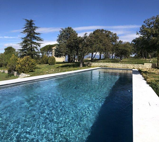 Mas Provençal d'exception, idéal pour deux familles, casa vacanza a Le Beaucet