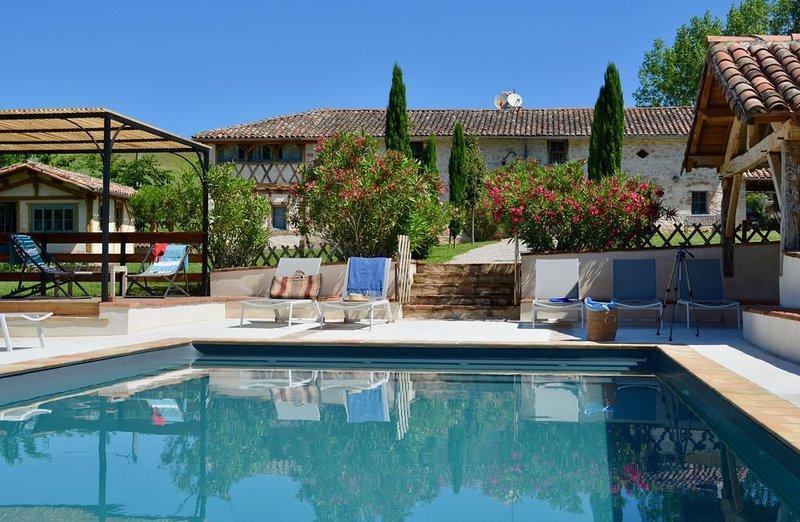 Gîte de Ségur : grande maison 18  pers + Piscine, Tennis et Spa, holiday rental in Verfeil