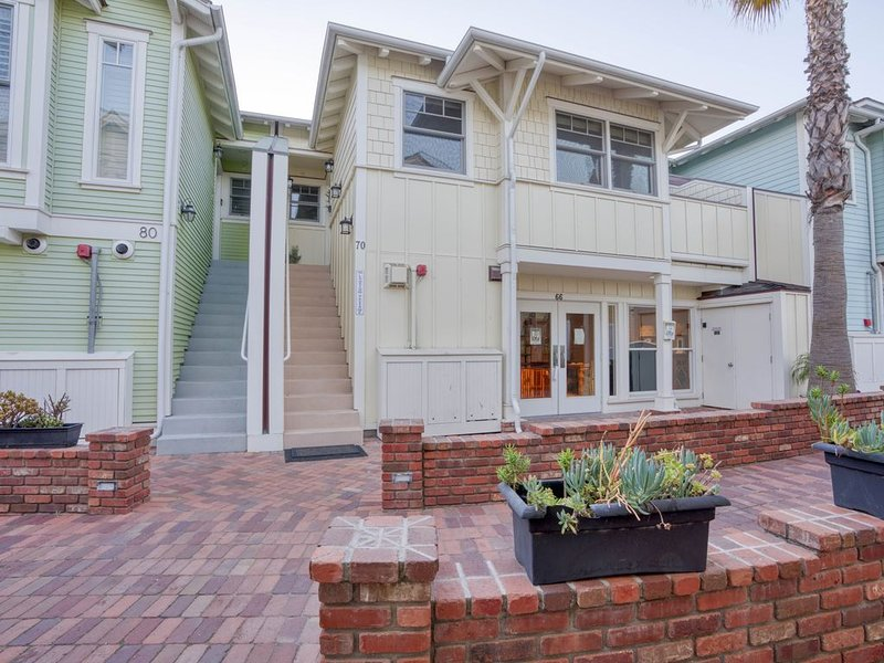 1 Bedroom Condo W/outdoor Ocean View Bbq Kitchen - Steps To Beach & Town, holiday rental in Avila Beach