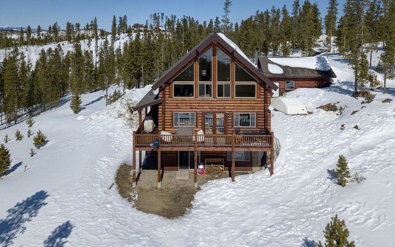 Top Of The Mountain Log Home with BREATHTAKING VIEWS near Winter Park, Fraser, location de vacances à Tabernash